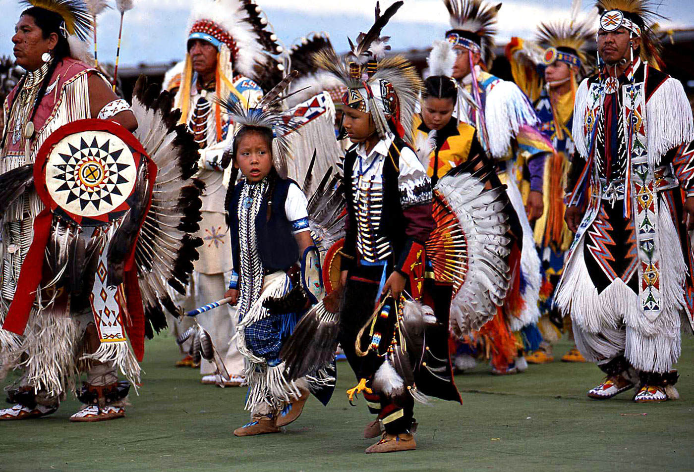 the americans and indians Native americans, also known as amerindians, american indians, indians, indigenous americans and other terms, are the indigenous peoples of the united statesthere are over 500 federally recognized tribes within the us, about half of which are associated with indian reservations.